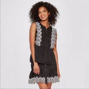 Who What Wear eyelet top size M